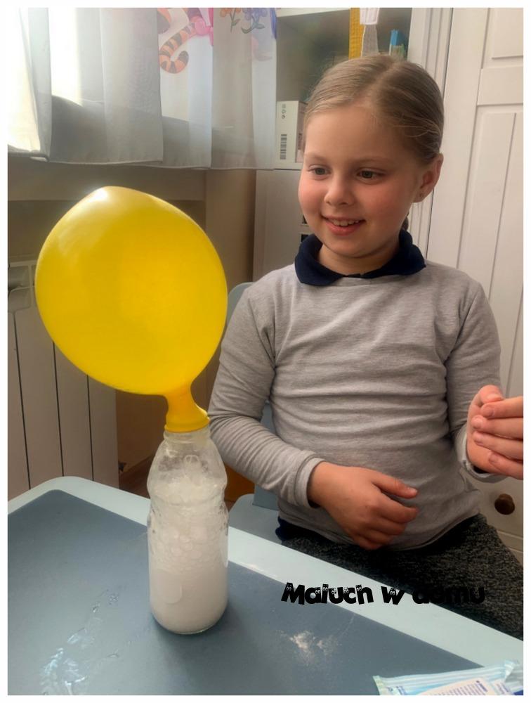 Jak nadmuchać balon bez pomocy płuc - doświadczenie