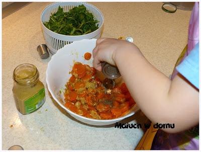 Sałatka z marchewki z rukolą i serem feta