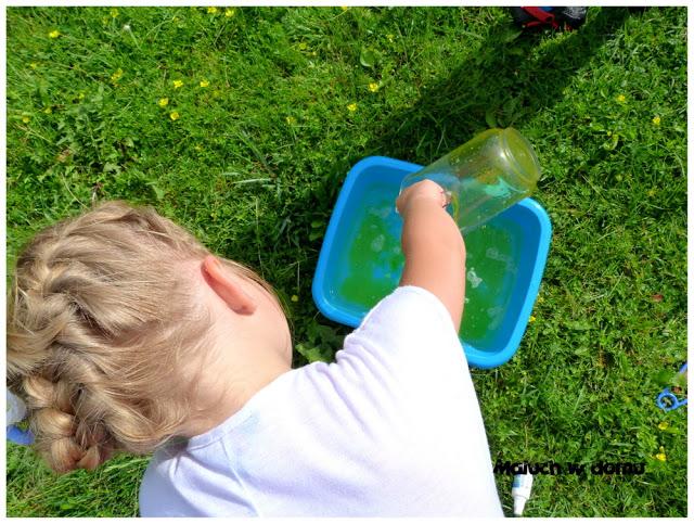 Jak zrobić płyn do baniek mydlanych?