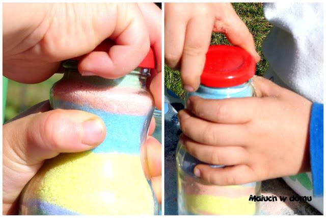 Jak zrobić wazoniki z kolorową solą imitującą piasek?