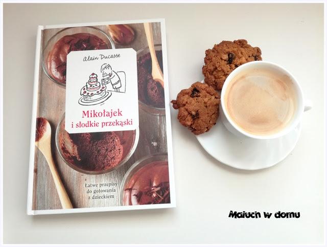 Mikołajek i słodkie przekąski - Alain Ducasse
