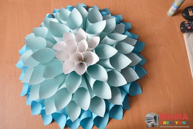 Dalia z papierowych rulonów Mama Kreatywna