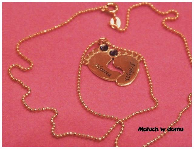 Pomysły na prezent z okazji Dnia Mamy biżuteria grawerowana