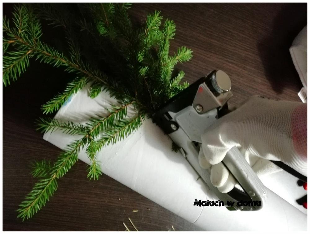 Jak zrobić skrzata z gałązek świerku