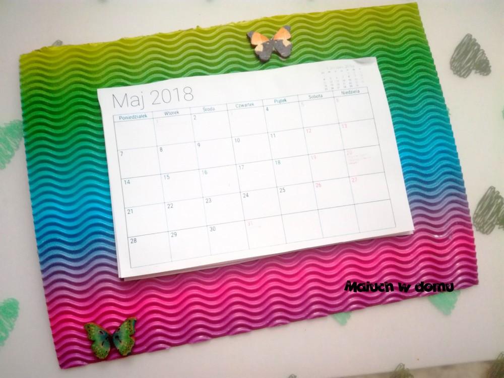 Prezent wykonany przez dziecko - Kalendarz na lodówkę